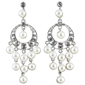 <strong>ER6 </strong>Pearl drop earrings