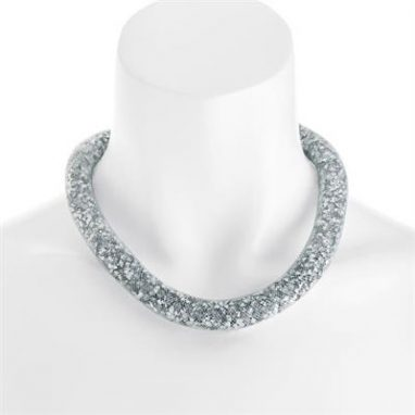White net design crystal necklace with magnetic clasp