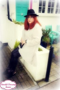 En Femme Style - Translife Dressing Service Model Stella