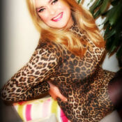 Melanie Translife Dressing Service Modal